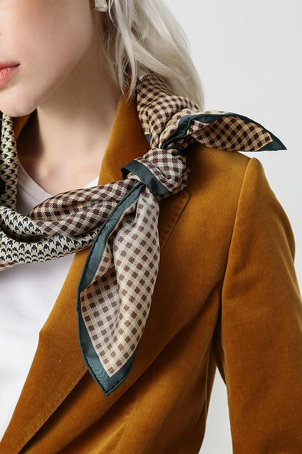 Vintage Small Check Scarf