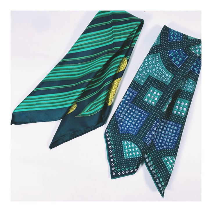Pastoral Flower Green Silk Scarf Scarves